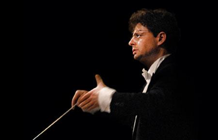 Georg Christoph Sandmann dirigiert